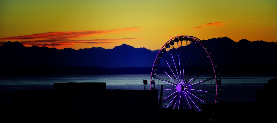 Seattle Ferris Wheel at Sunset