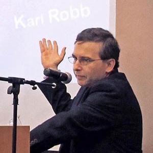 Karl Robb speaking at Dallas Area Parkinsonism Society (DAPS) meeting 2019 - photo courtesy of DAPS